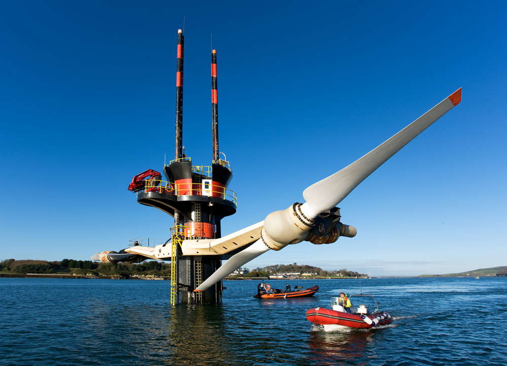 http://www.alternative-energy-tutorials.com/tidal-energy/tidal-barrage.html